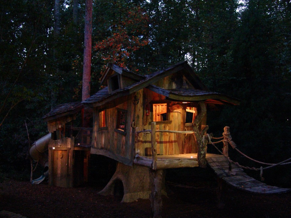 Creative Garden Spaces Inc, Oak Ridge NC, tree house, playspace, woodwork, night lighting, landscape lighting
