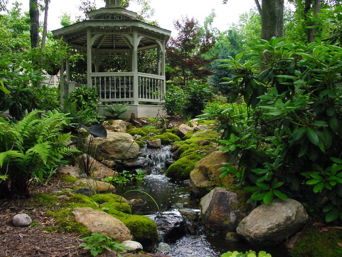 Creative Garden Spaces Inc, Lake Jeanette, Greensboro NC, water feature, stream, pond, landscape, mossy boulders
