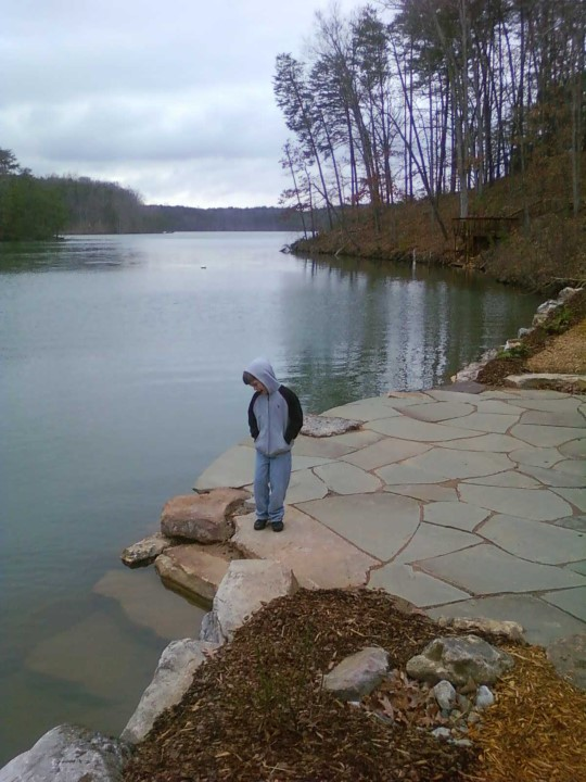 Creative Garden Spaces Inc, Belews Creek NC, flagstone patio, stone steps, lake patio, boulder retaining wall