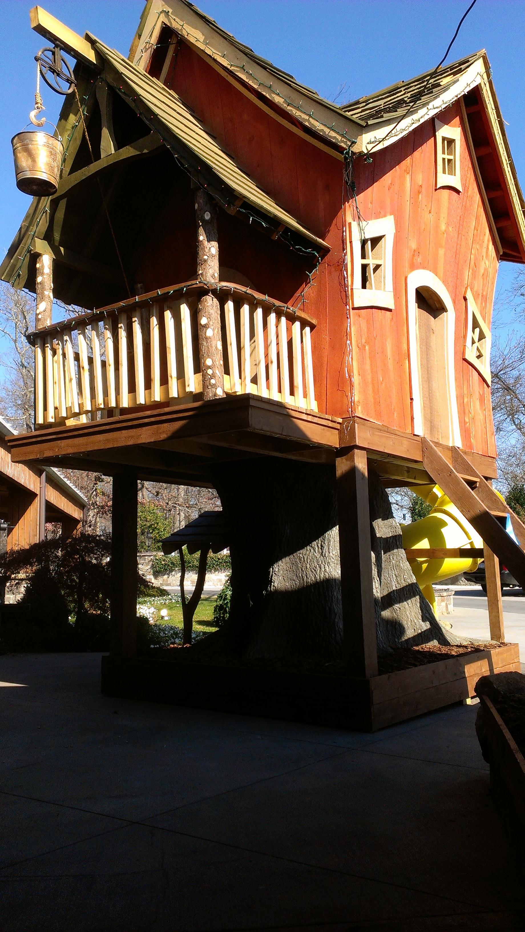 Creative Garden Spaces Inc, custom tree house construction