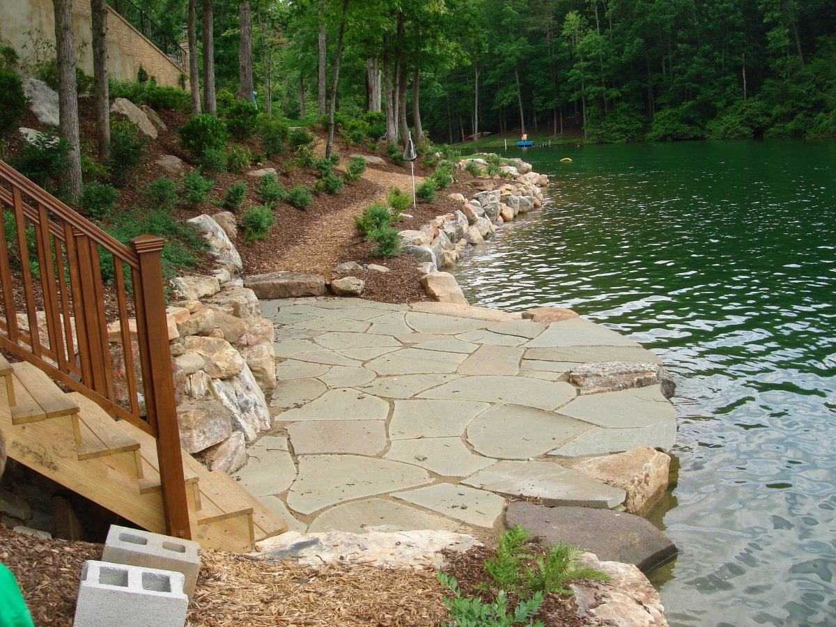 Creative Garden Spaces Inc, Belews Creek NC, lakefront patio, flagstone patio, boulder retention wall